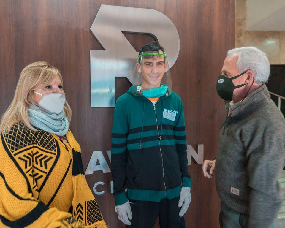 La Unión Vecinal del Barrio República del Líbano donó mascaras de protección