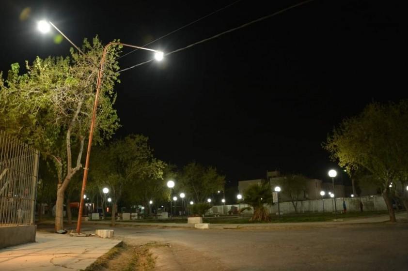 Avanza la instalación de luminarias LED en Rawson