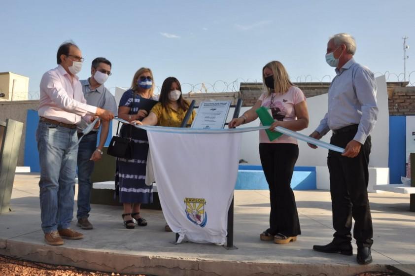 Homenaje a 200 años del primer izamiento de  la bandera en las Malvinas
