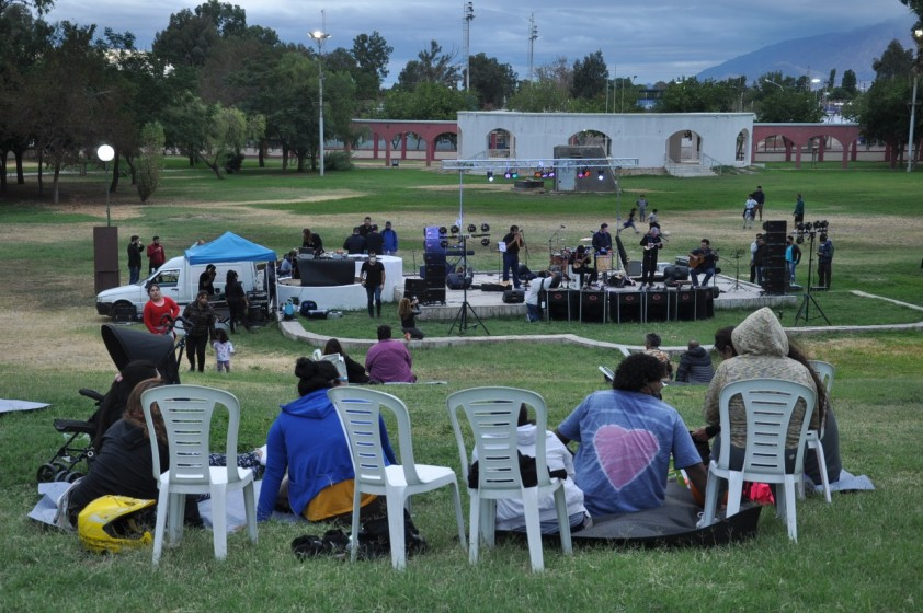 Festival Solidario en el Parque de Rawson