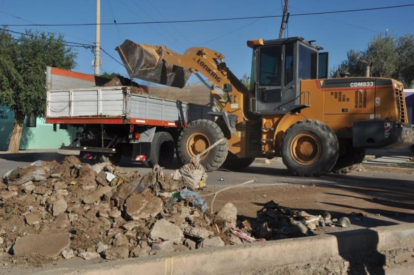 Operativo de Limpieza en Barrios de Rawson