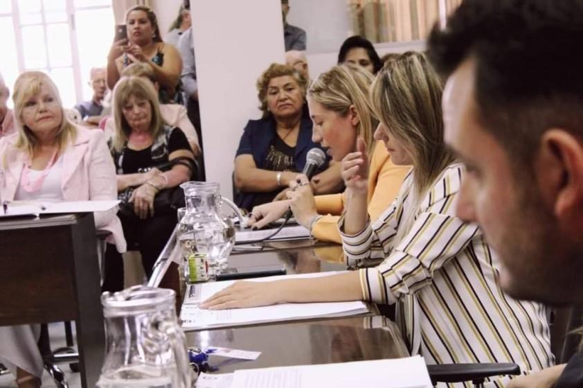 Sesión Extraordinaria por el Día Internacional de la Mujer